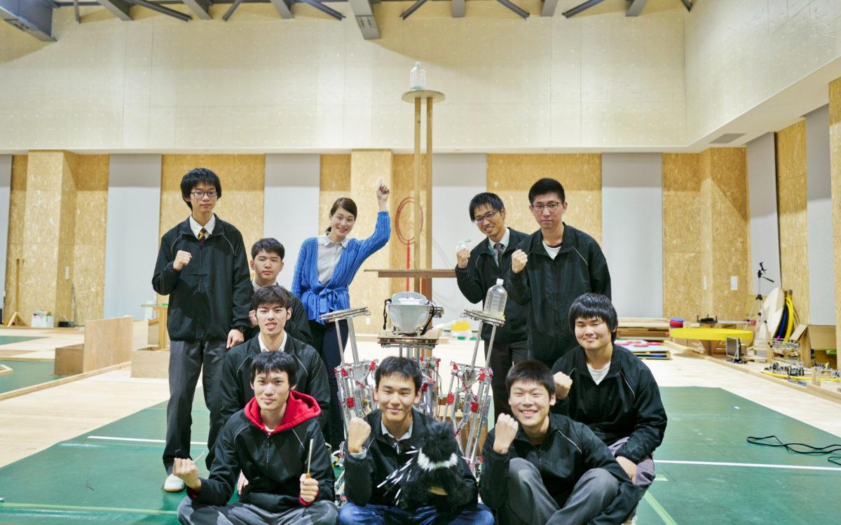 ロボコン全国大会出場の国際高専BチームがNHK金沢の生中継で紹介されました
