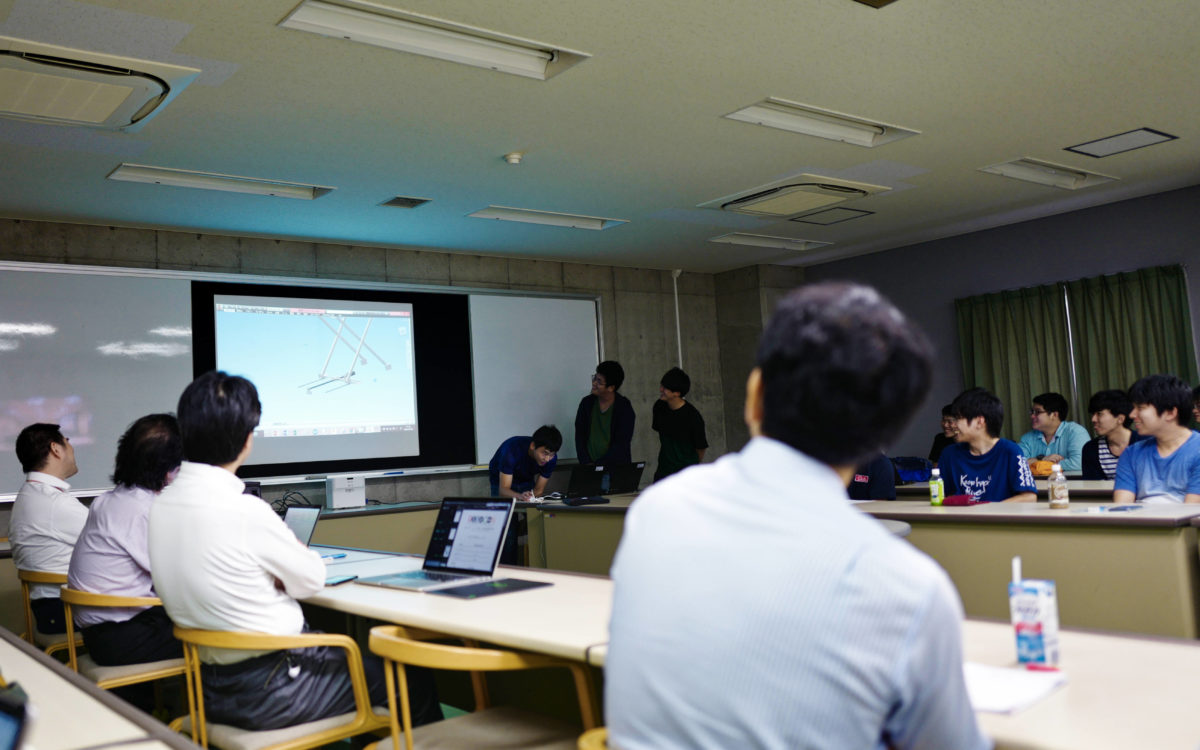 ロボコン中間発表会が開催されました。
