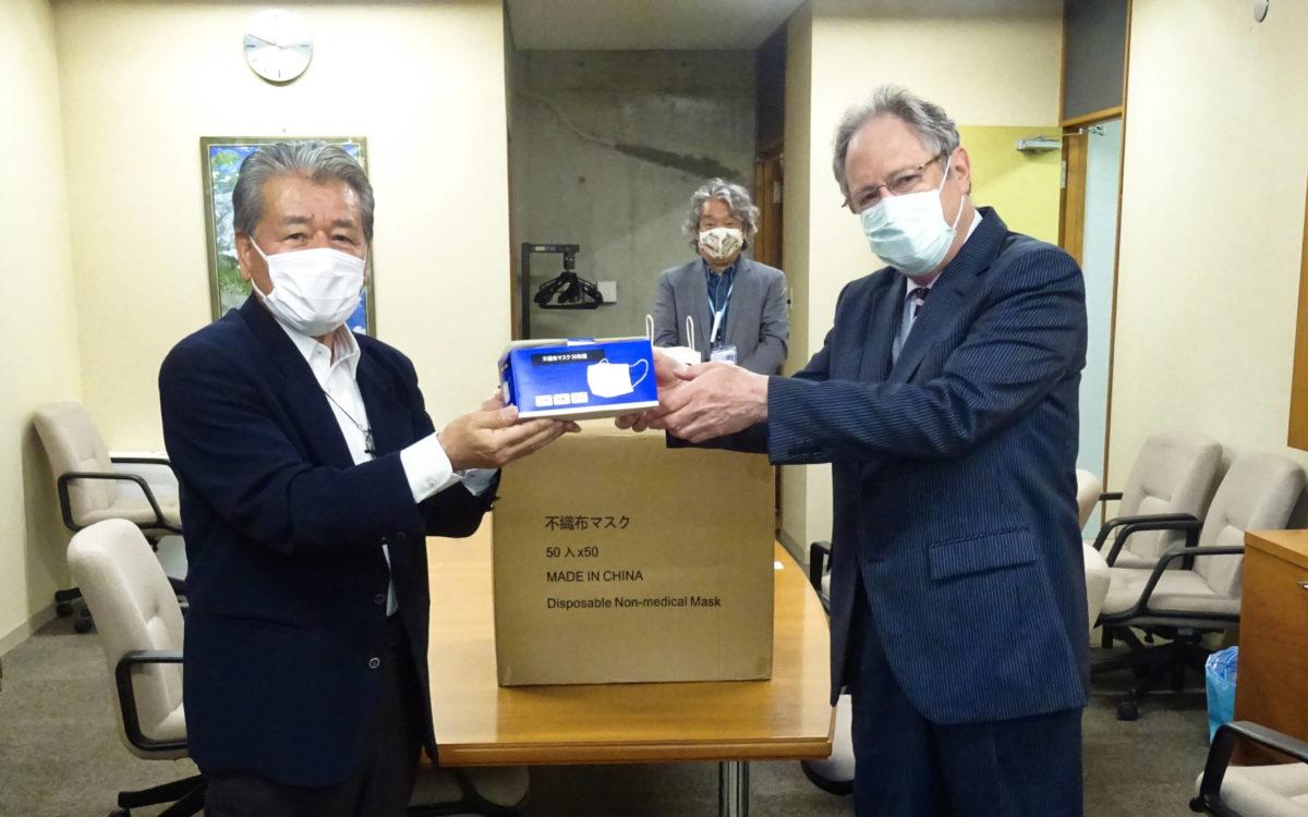 有限会社白山様よりマスクを寄付していただきました。